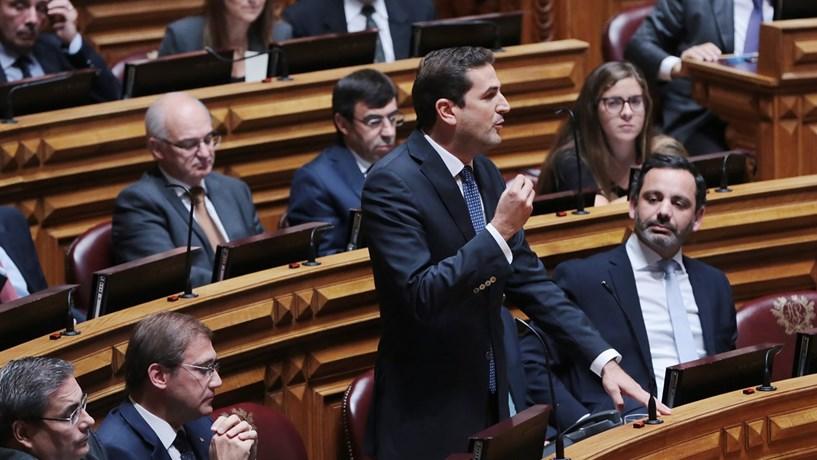 PSD compara Costa a Sócrates por causa de cenário escolhido para entrevista