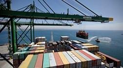 Contas externas passam a excedente em Agosto
