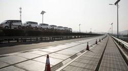 China constrói estrada inteligente que poderá recarregar carros