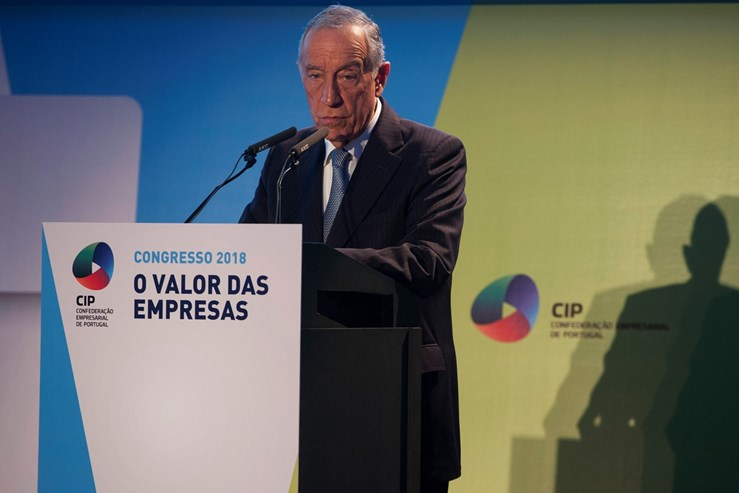 Presidente da República alerta para perigos de crise política