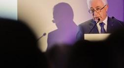 Carlos Costa incentiva portugueses a pôr imóveis a render