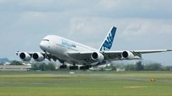 Maior avião do mundo aterra em Beja na estreia em Portugal