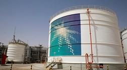 Saudi Aramco garante 25,6 mil milhões de dólares no maior IPO de sempre
