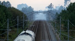 Não são o Expresso do Oriente, mas os comboios noturnos estão de volta