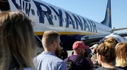 Ryanair e Easyjet afundam mais de 10% em bolsa . Turismo é o setor mais penalizado