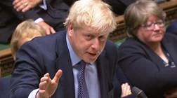 """Parlamento britânico """"obriga"""" Boris a pedir novo adiamento do Brexit"""
