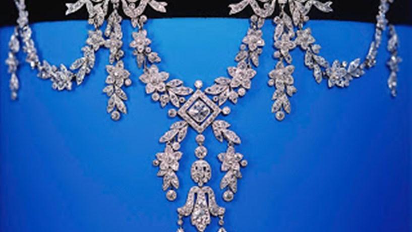 d20c8941a7f O grupo suíço FM Industries Sycrilor escolheu a cidade da Covilhã para abrir  o novo centro de produção de bijuteria para as principais marcas de luxo a  ...
