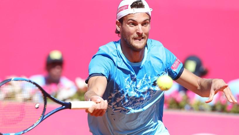 598ad86350e O português João Sousa apurou-se hoje pela primeira vez para a final do  Estoril Open em ténis